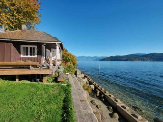 "Photo 3: 808 MARINE Drive in Gibsons: Gibsons & Area House for sale in ""GRANTHAM'S LANDING"" (Sunshine Coast)  : MLS®# R2392475"