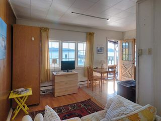 "Photo 5: 808 MARINE Drive in Gibsons: Gibsons & Area House for sale in ""GRANTHAM'S LANDING"" (Sunshine Coast)  : MLS®# R2392475"