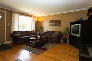 Photo 3: 936 Dugas Street in Winnipeg: Windsor Park Residential for sale (2G)  : MLS®# 1922217