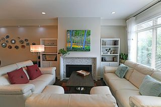 Photo 2: 16474 25 Avenue in Surrey: Grandview Surrey Condo for sale (South Surrey White Rock)  : MLS®# R2397208