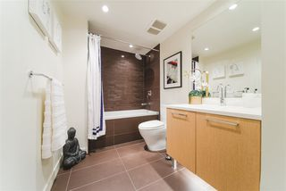 """Photo 13: 410 1680 W 4TH Avenue in Vancouver: False Creek Condo for sale in """"Mantra"""" (Vancouver West)  : MLS®# R2414688"""