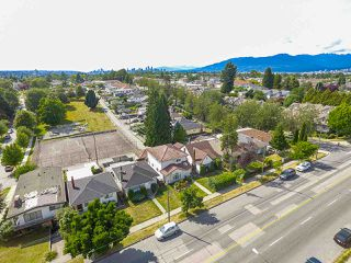 Photo 20: 2243 RENFREW Street in Vancouver: Renfrew VE House for sale (Vancouver East)  : MLS®# R2422883