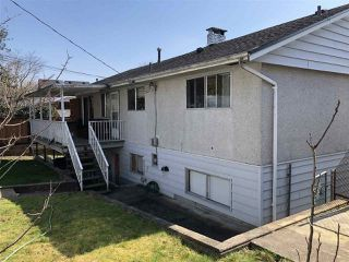 Photo 2: 5723 EGLINTON Street in Burnaby: Deer Lake Place House for sale (Burnaby South)  : MLS®# R2447136