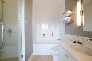 "Photo 19: 3201 1199 SEYMOUR Street in Vancouver: Downtown VW Condo for sale in ""BRAVA"" (Vancouver West)  : MLS®# R2462993"