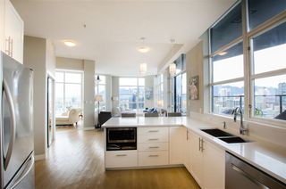 "Photo 12: 3201 1199 SEYMOUR Street in Vancouver: Downtown VW Condo for sale in ""BRAVA"" (Vancouver West)  : MLS®# R2462993"