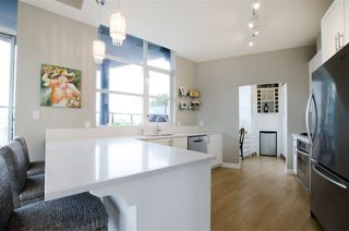 "Photo 7: 3201 1199 SEYMOUR Street in Vancouver: Downtown VW Condo for sale in ""BRAVA"" (Vancouver West)  : MLS®# R2462993"
