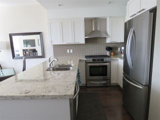 Photo 4: 602 5665 TEREDO Street in Sechelt: Sechelt District Condo for sale (Sunshine Coast)  : MLS®# R2484493