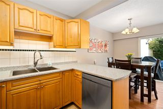 Photo 9: 35 610 McKenzie Ave in : SW Marigold Row/Townhouse for sale (Saanich West)  : MLS®# 855430
