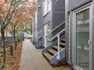 """Photo 10: 3 2368 LAUREL Street in Vancouver: Fairview VW Townhouse for sale in """"Spinnaker West"""" (Vancouver West)  : MLS®# R2524045"""