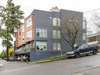 "Main Photo: 3 2368 LAUREL Street in Vancouver: Fairview VW Townhouse for sale in ""Spinnaker West"" (Vancouver West)  : MLS®# R2524045"