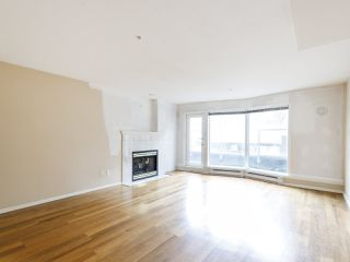 """Photo 2: 3 2368 LAUREL Street in Vancouver: Fairview VW Townhouse for sale in """"Spinnaker West"""" (Vancouver West)  : MLS®# R2524045"""