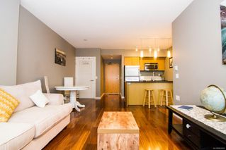 Photo 8: 901 834 Johnson St in : Vi Downtown Condo for sale (Victoria)  : MLS®# 862064