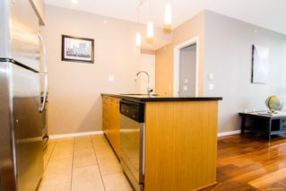 Photo 4: 901 834 Johnson St in : Vi Downtown Condo for sale (Victoria)  : MLS®# 862064