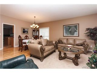 Photo 4: 2287 Setchfield Ave in VICTORIA: La Bear Mountain House for sale (Langford)  : MLS®# 625835