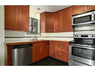 "Photo 3: 302 391 E 7TH Avenue in Vancouver: Mount Pleasant VE Condo for sale in ""OAKWOOD PARK"" (Vancouver East)  : MLS®# V1000563"