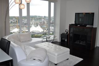 Photo 4: 2505 918 COOPERAGE Way in False Creek North: Home for sale : MLS®# V886803