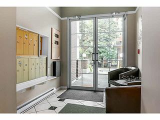 "Photo 2: 104 130 W 22ND Street in North Vancouver: Central Lonsdale Condo for sale in ""THE EMERALD"" : MLS®# V1080860"