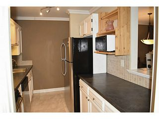 Photo 5: # 203 1437 FOSTER ST: White Rock Condo for sale (South Surrey White Rock)  : MLS®# F1447468