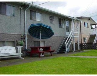 Photo 8: 4617 - 4619 UNION ST in Burnaby: Capitol Hill BN House Duplex for sale (Burnaby North)  : MLS®# V547433