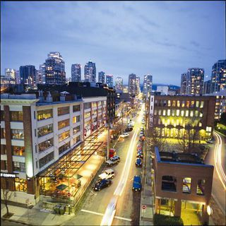 Photo 2: ~ YALETOWN RESTAURANT ~ in : Yaletown Home for sale : MLS®# C8004112