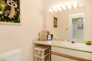 Photo 7: 26 220 E 4TH STREET in North Vancouver: Lower Lonsdale Townhouse for sale : MLS®# R2094449