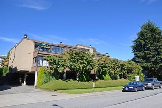 Photo 1: 26 220 E 4TH STREET in North Vancouver: Lower Lonsdale Townhouse for sale : MLS®# R2094449