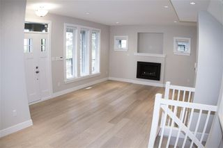 Photo 2: 2 703 Gauthier Avenue in Coquitlam: Coquitlam West House 1/2 Duplex for sale : MLS®# R2157920