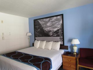 Photo 16: Exclusive Hotel/Motel with property in BC: Business with Property for sale