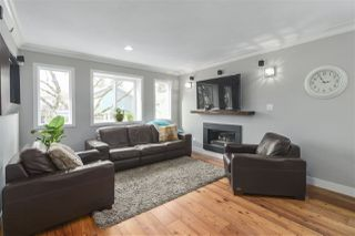 Photo 3: 4314 PRINCE EDWARD Street in Vancouver: Fraser VE House for sale (Vancouver East)  : MLS®# R2445314