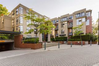 """Main Photo: 2288 REDBUD Lane in Vancouver: Kitsilano Townhouse for sale in """"Mozaiek"""" (Vancouver West)  : MLS®# R2486065"""