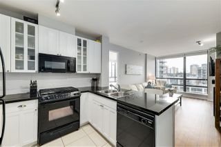 "Photo 7: 1002 170 W 1ST Street in North Vancouver: Lower Lonsdale Condo for sale in ""ONE PARK LANE"" : MLS®# R2528414"