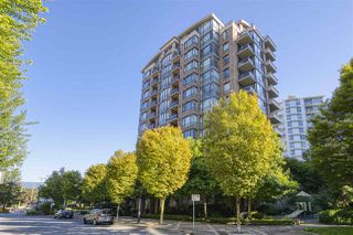 "Photo 2: 1002 170 W 1ST Street in North Vancouver: Lower Lonsdale Condo for sale in ""ONE PARK LANE"" : MLS®# R2528414"