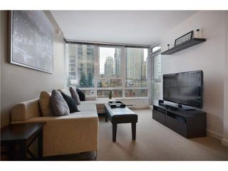 "Photo 2: 609 928 BEATTY Street in Vancouver: Yaletown Condo for sale in ""THE MAX"" (Vancouver West)  : MLS®# V928813"