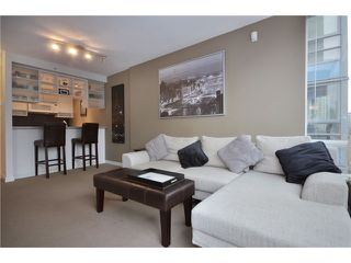 "Photo 3: 609 928 BEATTY Street in Vancouver: Yaletown Condo for sale in ""THE MAX"" (Vancouver West)  : MLS®# V928813"