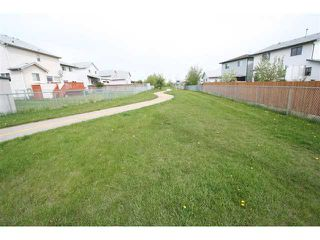 Photo 4: 8075 LAGUNA Way NE in CALGARY: Monterey Park Residential Detached Single Family for sale (Calgary)  : MLS®# C3526245