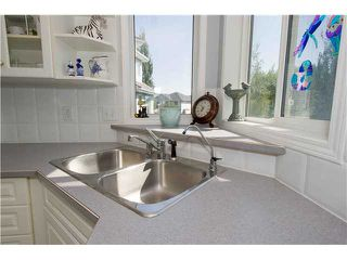 Photo 10: 351 DOUGLAS GLEN Close SE in CALGARY: Douglasglen Residential Detached Single Family for sale (Calgary)  : MLS®# C3538169