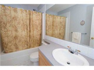 Photo 8: 351 DOUGLAS GLEN Close SE in CALGARY: Douglasglen Residential Detached Single Family for sale (Calgary)  : MLS®# C3538169