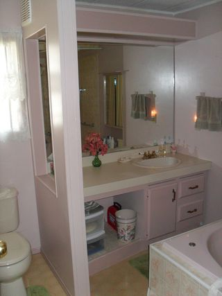 Photo 9: 109 2400 Oakdale Way in Kamloops: Westsyde Manufactured Home for sale : MLS®# 124298