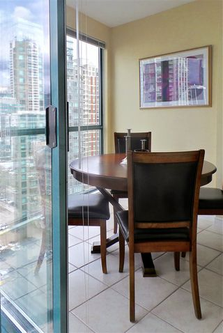 Photo 6: 2202 939 HOMER STREET in Vancouver: Yaletown Condo for sale (Vancouver West)  : MLS®# R2150723