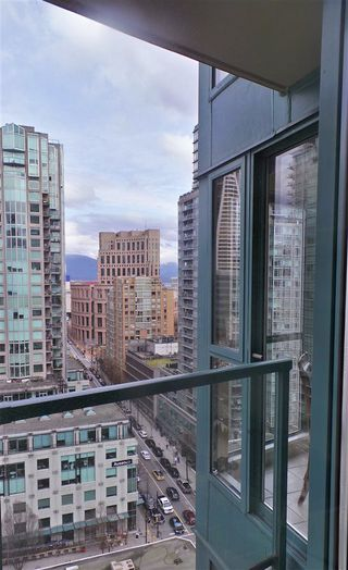Photo 12: 2202 939 HOMER STREET in Vancouver: Yaletown Condo for sale (Vancouver West)  : MLS®# R2150723