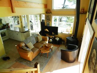 Photo 3: 7276 CARLSON POINT in Halfmoon Bay: Halfmn Bay Secret Cv Redroofs House for sale (Sunshine Coast)  : MLS®# R2346798