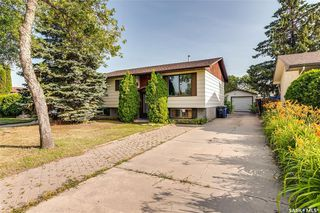 Photo 2: 3518 Parkdale Road in Saskatoon: Wildwood Residential for sale : MLS®# SK779052