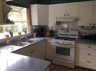Photo 11: 3209 MOSSY ROCK Road: Roberts Creek House for sale (Sunshine Coast)  : MLS®# R2409142