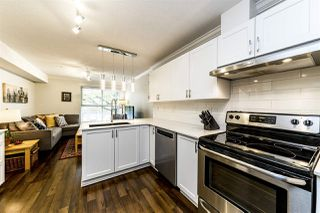 Photo 10: C8 332 LONSDALE Avenue in North Vancouver: Lower Lonsdale Townhouse for sale : MLS®# R2422829
