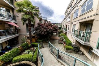 Photo 3: C8 332 LONSDALE Avenue in North Vancouver: Lower Lonsdale Townhouse for sale : MLS®# R2422829