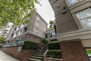 Photo 2: C8 332 LONSDALE Avenue in North Vancouver: Lower Lonsdale Townhouse for sale : MLS®# R2422829