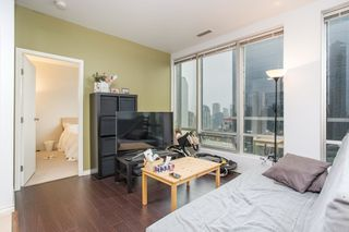 "Photo 3: 1602 989 NELSON Street in Vancouver: Downtown VW Condo for sale in ""The Electra"" (Vancouver West)  : MLS®# R2431678"