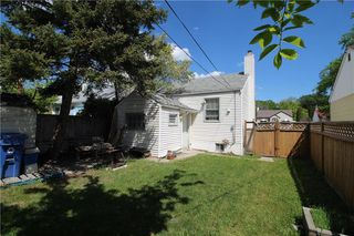 Photo 3: 1166 Strathcona Street in Winnipeg: West End Residential for sale (5C)  : MLS®# 202012366