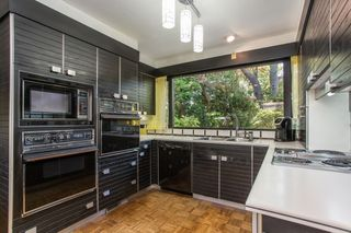 Photo 9: 621 W 51ST Avenue in Vancouver: South Cambie House for sale (Vancouver West)  : MLS®# R2481619