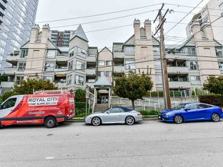 """Photo 21: 404 509 CARNARVON Street in New Westminster: Downtown NW Condo for sale in """"HILLSIDE PLACE"""" : MLS®# R2507669"""